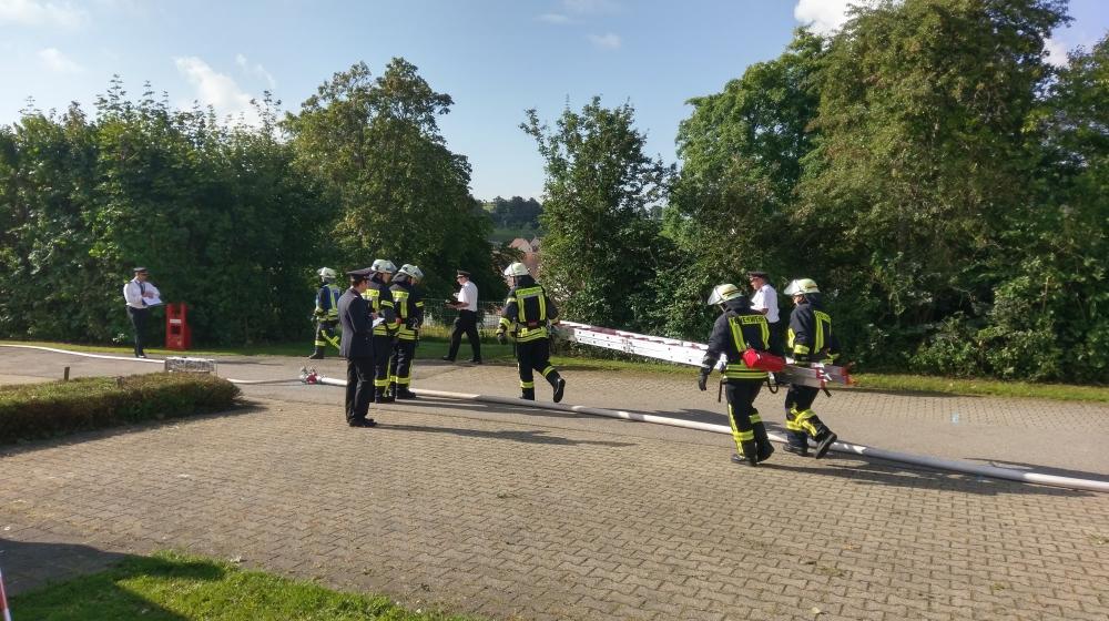 Löschangriff Feuerwehr Mühlheim & Stetten